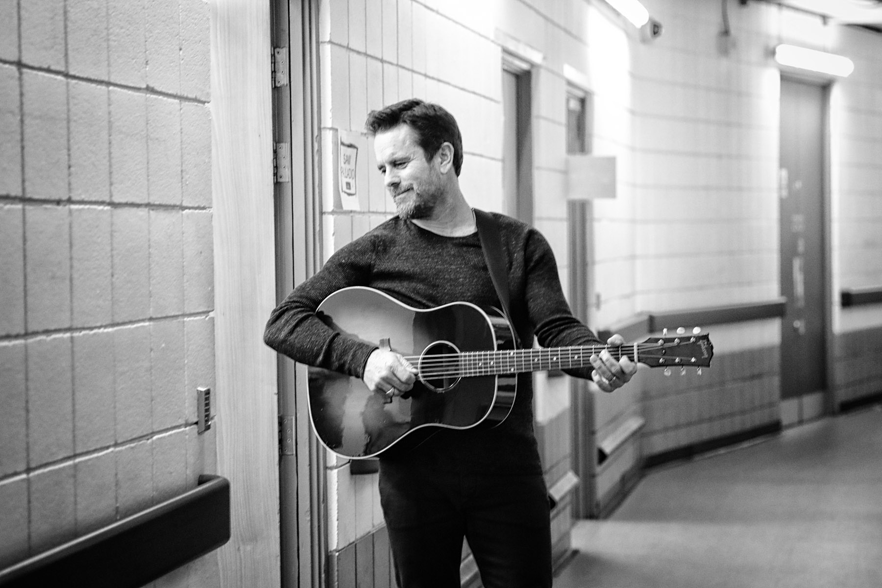 Charles Esten backstage by Christie Goodwin